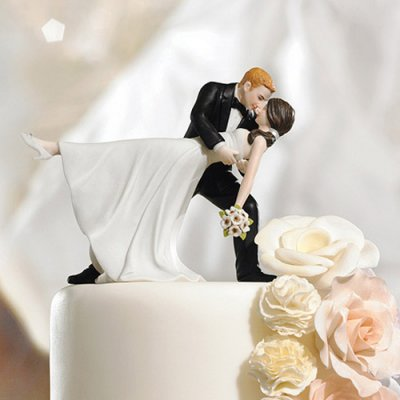 Selecting a cake topper
